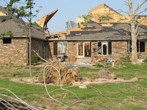 tornado-375135_640